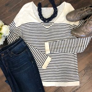 GAP Cream & Navy striped Light Sweater- SZ Medium